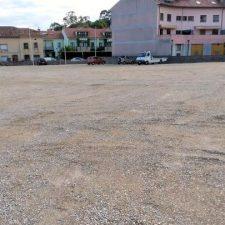 El Ayuntamiento de Llanes habilita un nuevo y amplio aparcamiento en el centro de Posada