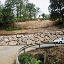Concluida la escollera, esta mañana quedaba abierta al tráfico la carretera de Sardalla, la RS-2 de Ribadesella