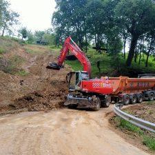 Comienza la construcción de la escollera que permitirá abrir al tráfico la carretera de Sardalla, la RS-2 de Ribadesella