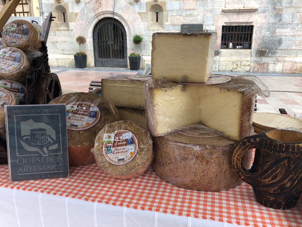 La Feria de los Quesos Artesanos de Ribadesella contará con 18 productores y una novedad interesante