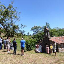 Gamoneu de Onís honra a Santa Marina bajo un sol sofocante