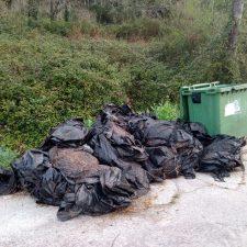 Colunga impulsa la recogida de plásticos ganaderos en el concejo
