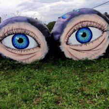 Porrúa abre los güeyos a la expresión artística en el mundo rural, en las bolas de la yerba