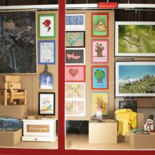 El proyecto Escaparate de Piloña recibe mas de 300 obras de 125 artistas y artesanos del concejo