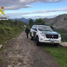 Rescatadas sanas y salvas dos senderistas de Gijón y Colunga que se desorientaron debido a la niebla en la Llosa de Viango