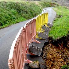 La carretera de Nocéu (Ribadesella) estará cortada durante 15 días para arreglar un argayu