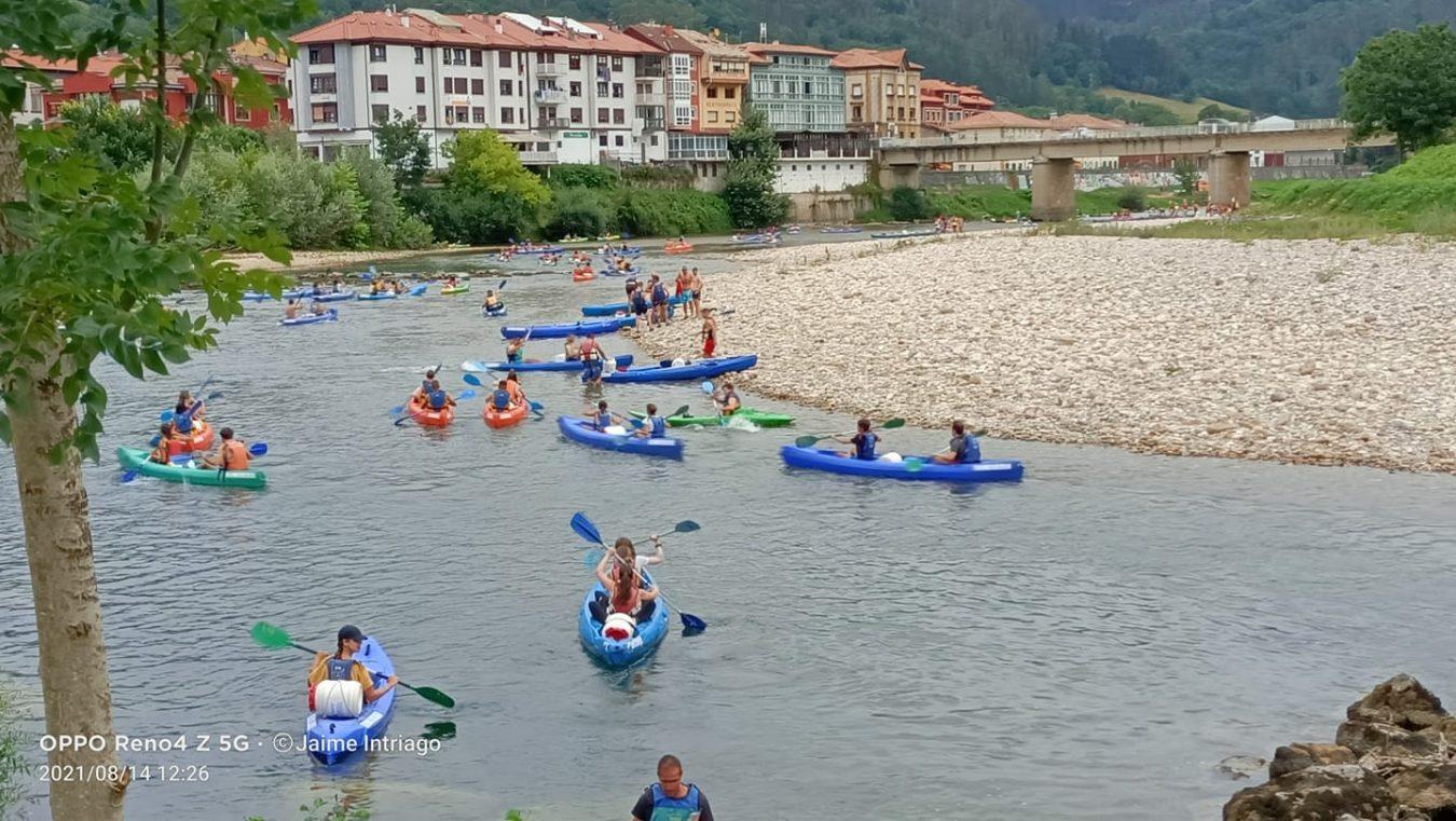 Piden una regulación de la actividad turística en el Sella para que vuelva a ser limpia y sostenible