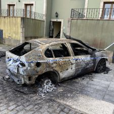 Detenido un joven de 26 años, presunto autor de la quema y robo de vehículos en Colombres