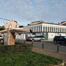 El expediente de protección de la Plaza de Abastos de Ribadesella incluye el podio del Sella y el aparcamiento del Campu les Rolles