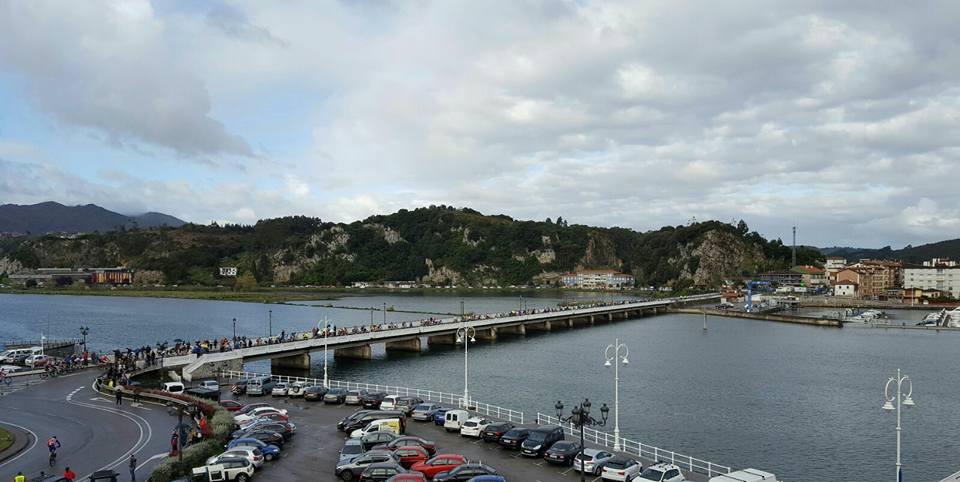 El puente de Ribadesella será sometido la semana que viene a los últimos sondeos antes de la licitación de las obras de ampliación