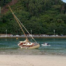 Segundo varamiento de un velero en el puerto de Ribadesella en tres días