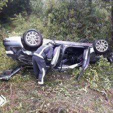 Un hombre de 46 años resulta herido de consideración al caer con su vehículo por un desnivel de 150 metros
