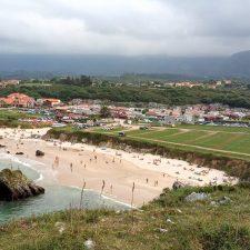 Las playas del concejo de Llanes registraron 604 incidencias a lo largo del verano, entre ellas tres rescates