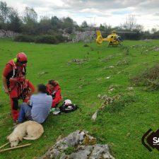 Evacuado al hospital un pastor que sufrió una caída en Sierra Nedrina, Peñamellera Alta
