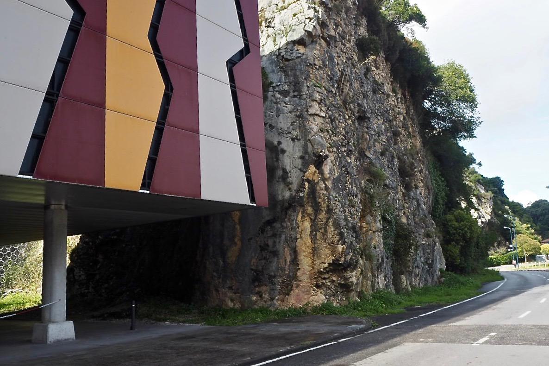 Cultura elaborará un estudio geotécnico para consolidar la cantera del Centro de Arte Rupestre de Ribadesella