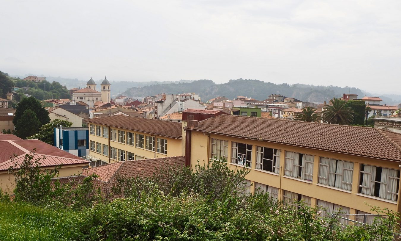 El colegio público de Ribadesella entre los 16 centros asturianos que registraron algún tipo de incidencia covid durante la última semana