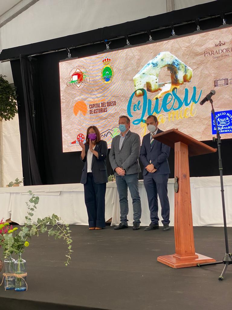 Las queserías Gumartini (Gamoneu del Puertu) y Priena (Gamoneu del Valle) triunfan en Cangas de Onís