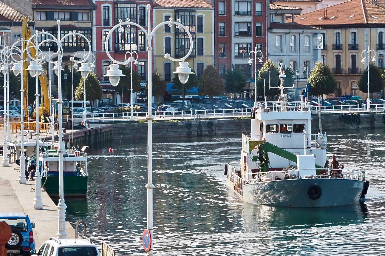 El PP pide un segundo buque de carga para apoyar y acelerar el dragado del puerto de Ribadesella