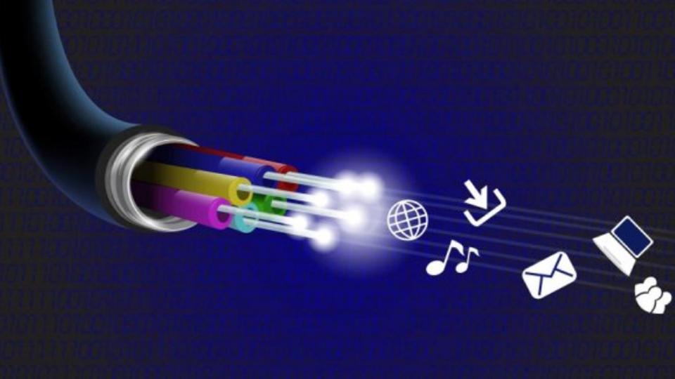 El despliegue de fibra óptica en la zona de Posada de Llanes alcanza las dos mil unidades inmobiliarias
