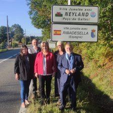 El nombre de Ribadesella ya ocupa un puesto de honor en su ciudad hermana de Sanguinet